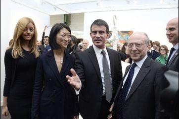 Zahia et Manuel Valls, rencontre à la Fiac