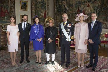 La famille royale de Suède accueille le président indien