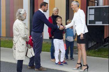 Fin des vacances et nouvelle école pour Ingrid Alexandra