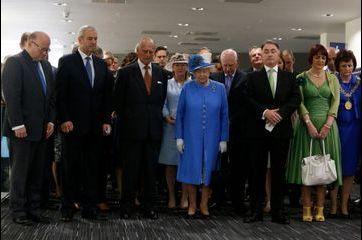 Elizabeth partage le silence du Royaume-Uni