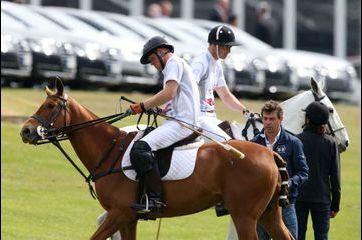 Ensemble au polo pour la bonne cause