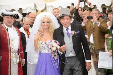 Richard Lugner, l'excentrique millionnaire s'est marié