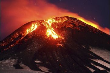 Spectaculaire éruption du volcan Villarrica