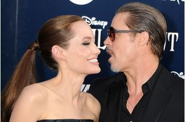 Angelina Jolie et Brad Pitt s'offriraient un yacht