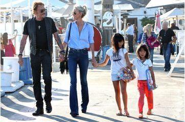 Johnny Hallyday: balade en famille à Malibu