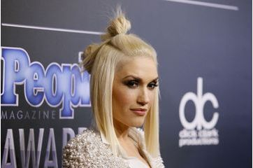 Gwen Stefani enflamme les People Magazine Awards