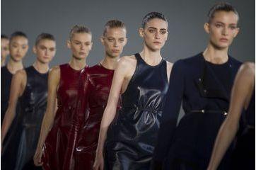 Du Calvin Klein pure et simple pour l'été 2015