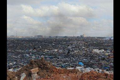 Agbogbloshie, lieu de vie et décharge électronique du monde