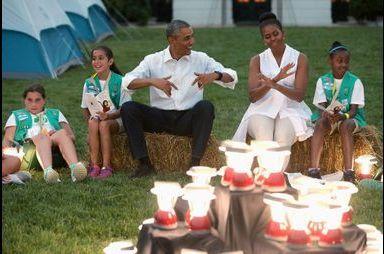 Michelle et Barack Obama campent à la Maison Blanche