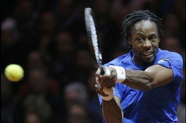 Monfils gagne contre Federer