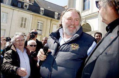 """Gérard Depardieu incite les gens à """"se bourrer la gueule"""""""
