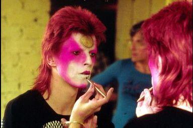 David Bowie. Ses looks les plus extravagants