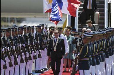François Hollande est arrivé aux Philippines
