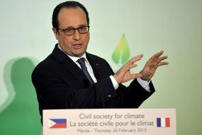 Hollande condamne le voyage des parlementaires en Syrie
