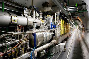 Le CERN en quête de mini trous noirs