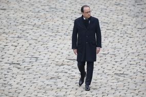 Hollande: plus déterminé, plus solide mais sans charisme