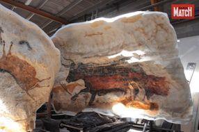 Les petites mains de la grotte de Lascaux IV