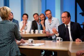 """François Hollande booste les audiences du """"Supplément"""""""