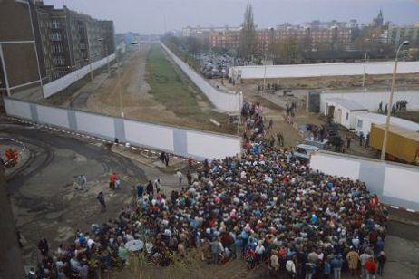 L'ouverture du mur de Berlin en novembre 1989