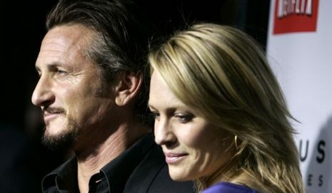 2-photos-people-cinema-Sean Penn Robin Wright nostalgiques--