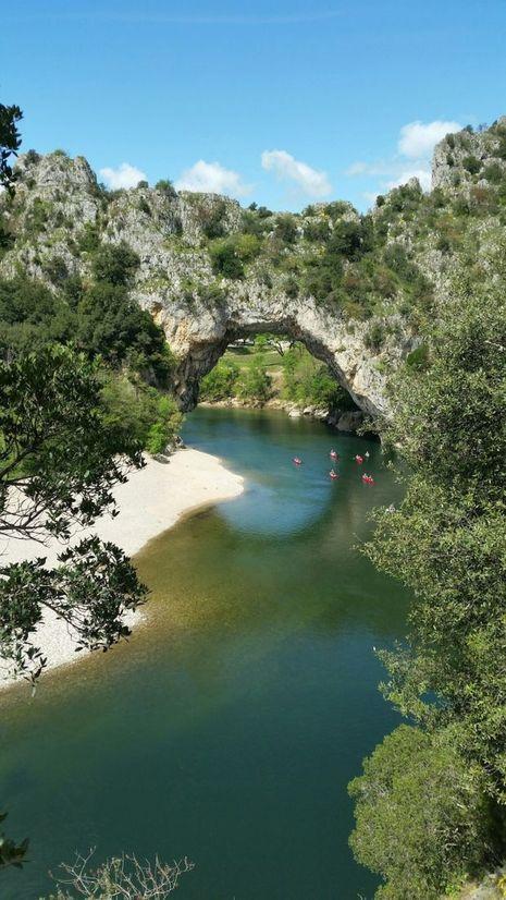 Les paysages vertigineux de Vallon-Pont-d'Arc