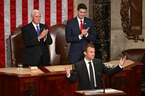 Derrière Emmanuel Macron, Mike Pence et Paul Ryan