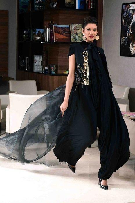 Yasmine Ouchene (stylisme Zino Touafek).