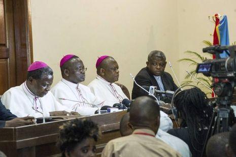 Les représentants de la Conférence épiscopale de la RDC annoncent la signature de l'accord le 1er janvier 2017 à Kinshasa