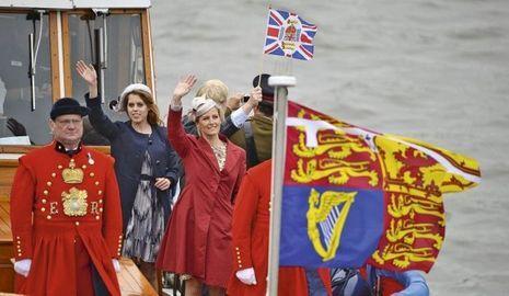 Barge Royale-