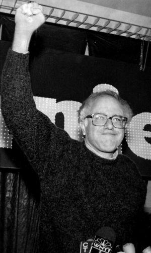 Bernie Sanders poing levé en 1990