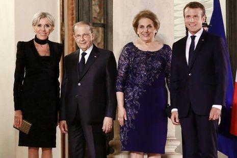 Brigitte Macron et son époux à l'Elysée avec Michel et Nadia Aoun pour le premier dîner d'Etat du quinquennat