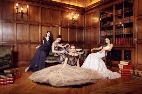 Les Débutantes se préparent pour le Bal