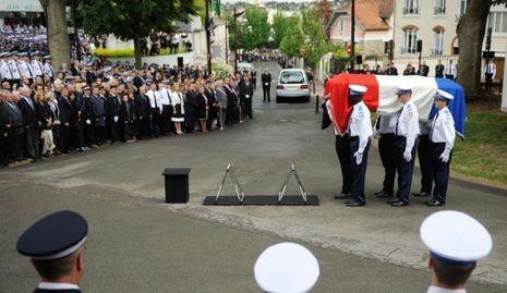 cérémonie aurélie fouquet policier municpale fusillade A4-