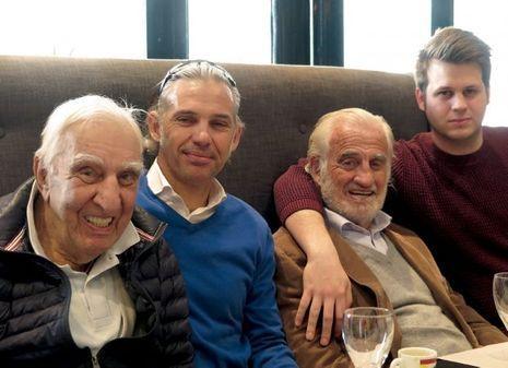 Charles Gérard, l'ami de soixante ans, Jean-Paul, entre son fils Paul et son petit-fils Alessandro.