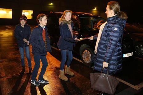 La princesse Claire de Belgique et ses enfants à Bruxelles, le 29 décembre 2016