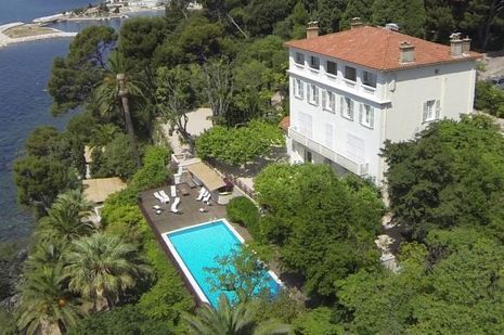 Dans le Var, à Toulon, la Résidence du Cap Brun