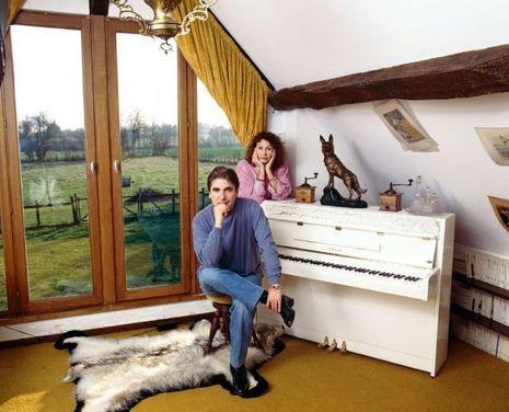Dans leur maison de Romilly-du-Perche, dans le Loir-et-Cher, où Michèle a trouvé la mort.