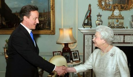 David Cameron et la reine elizabeth-