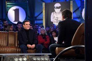 """François Fillon sur le plateau de """"Top Gear France"""", diffusé mercredi prochain."""