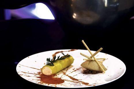 Cannelloni de carotte, coco et gingembre, au Nubé, le restaurant de l'hôtel Marignan.
