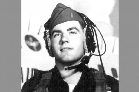 George Filer, alors jeune pilote de l'US Air Force.