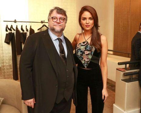 Guillermo del Toro et le mannequin Eiza Gonzalez