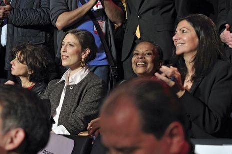 Tout comme sa compagne, Gabrielle Guallar (au côté de Christiane Taubira et d'Anne Hidalgo).