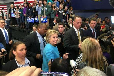 Hillary Clinton souriante