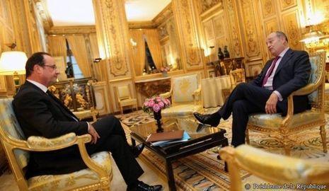 Hollande Bureau-