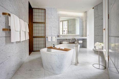 Hotel-Cafe-Royal-Regent-Suite-Bathroom1