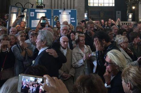 Alain Delon et Anthony aux funérailles de Mireille Darc, le 1er septembre 2017.