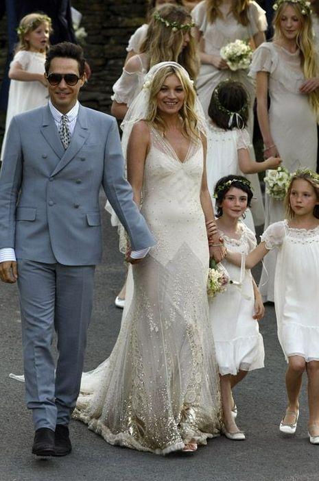 Kate Moss et Jamie Hince lors de leur mariage le 1er juillet 2011