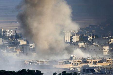 Kobané est toujours la cible de frappes aériennes pour déloger les djihadistes.