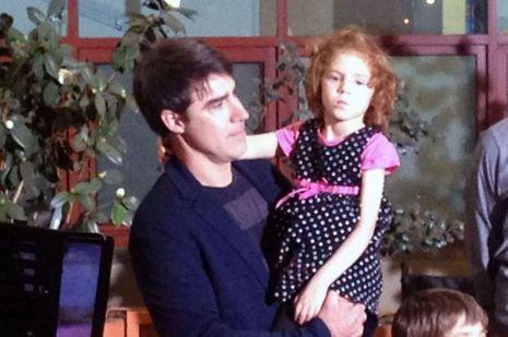 La petite Sofia et son papa, en conférence de presse